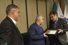 Attendance of Dr. DeJapsand, Minister of Economic Affairs in the meeting of the General Council of the Iran Insurers Syndicate